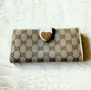 Auth Gucci GG monogram heart logo long wallet